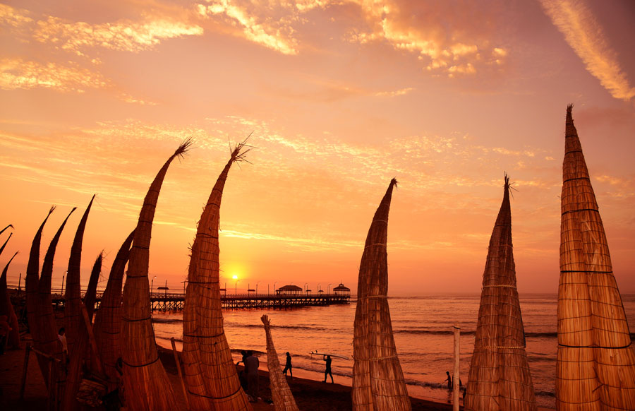 Huanchaco Sunset. Credit: ISA/ Michael Tweddle