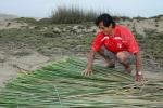 Santos Urcia in Totora drying process. Credit: ISA/ Michael Tweddle
