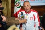 Team Peru Coach Ricardo Kaufman. Credit: ISA/ Michael Tweddle