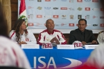 Karen Mendiguetti, Ricardo Kaufman and Huanchaco Municipal Manager Enrique Castillo. Credit: ISA/ Rommel Gonzales